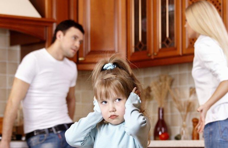 Если мать запрещает отцу видеться с ребенком как привлечь к ответственности